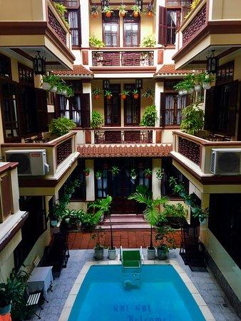 Nhi Nhi Hotel: photo0.jpg