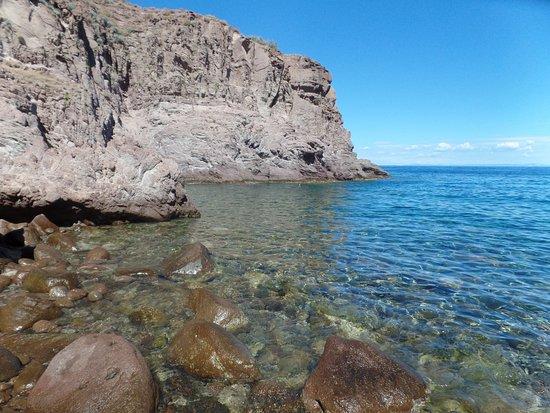 Capraia Isola, Italy: L'accesso al mare