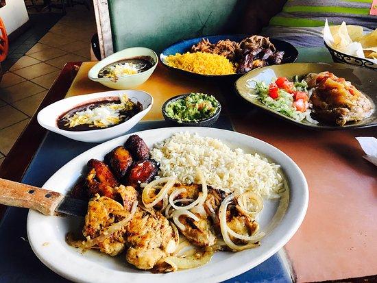 El Leoncito Mexican and Cuban Restaurant: photo2.jpg