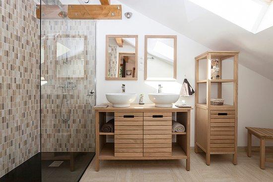 Salle de bain chambre d\'hôtes La 4 Saisons - Picture of Les ...