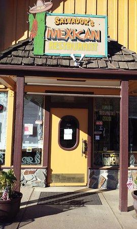 Salvador's Mexican Restaurant: Salvador's Mariposa, CA