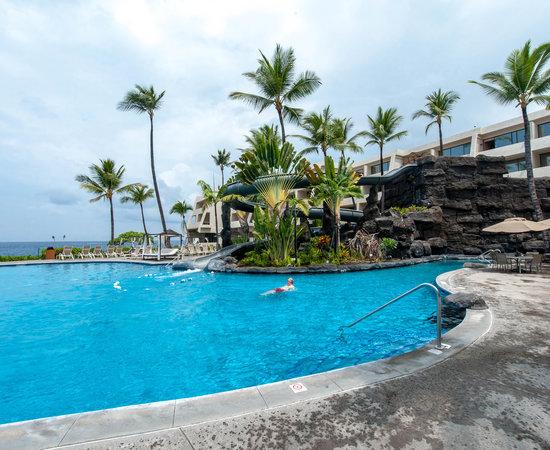 Oceanside Pool at the Pool at the Sheraton Kona Resort & Spa at Keauhou Bay