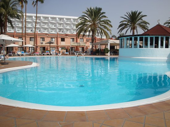 Part of pool area picture of jardin del sol apartments for Playa del ingles jardin del sol