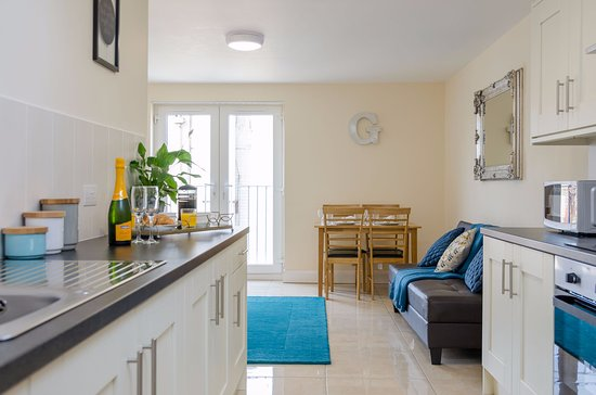 Nice Looking Apartment With Dirty Review Of Giant Serviced Apartments