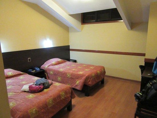 Qosqowasi Hotel: Interno camera