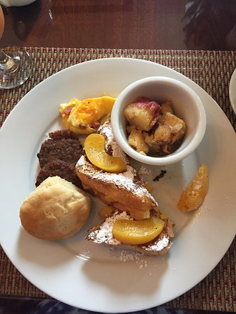 The Kehoe House - A Boutique Inn: Peach Stuffed French Toast