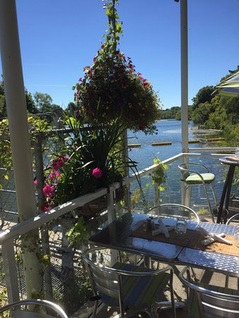 Thornbury, Canada: Outside Terrace at the back of Restaurant The Mill is a perfect place for lunch