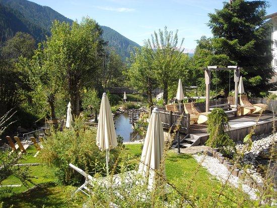 Hotel Quelle Nature Spa Resort: Giardino
