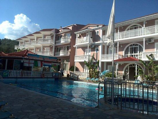 Amarylis Hotel: IMG_20160926_160545_large.jpg
