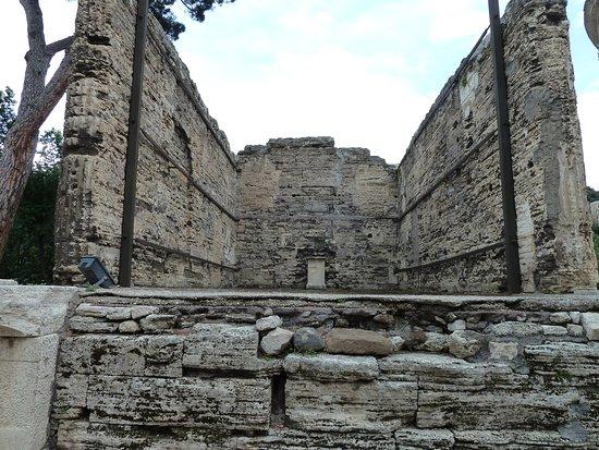 Tempio della Sibilla : Rectangular Temple