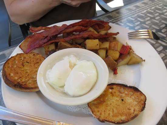 Creekside Gardens : Breakfast 2