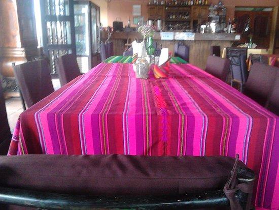 Restaurante Don Pasqual: Ambiente familiar único en colorido