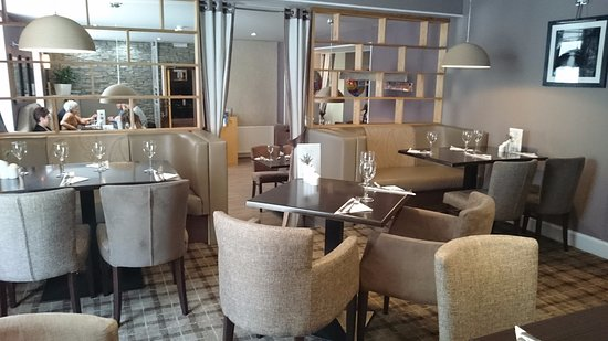 Mauchline, UK: Love the dining area!