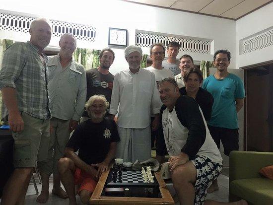 Meemu Atoll: Surfers from Australia
