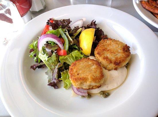 Georgetown, Kanada: Clam Diggers Beach House & Restaurant