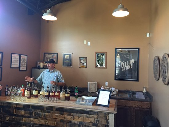 Lebanon, KY: Steven is the best!!! We had a great experience learning about their barrel aged bourbon and the