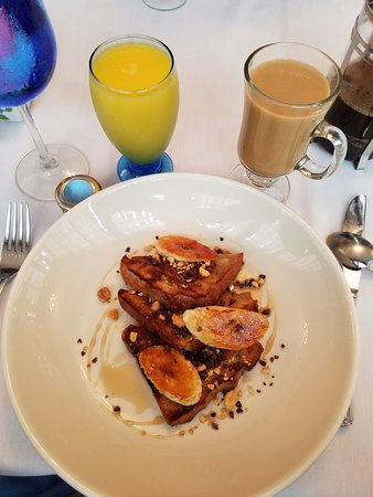 The Blue Rose Inn & Restaurant : Honey Oat and Bananas French Toast