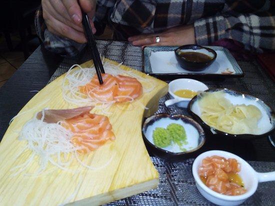 San Giustino, Italia: sashimi e tartar