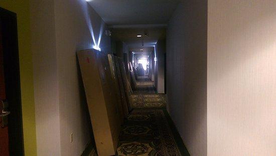 Burleson, TX: Our hallway