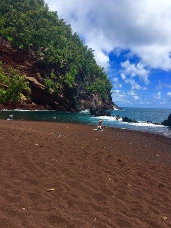 Ala'aina Ocean Vista: Red Sand Beach-incredible