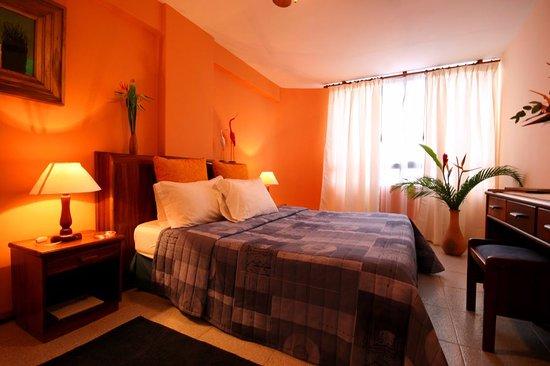 Costa Real Suites: Habitación matrimonial
