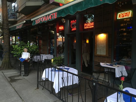 patio seating picture of la vita e bella seattle tripadvisor