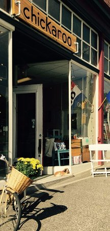 Littleton, NH: beautiful store front