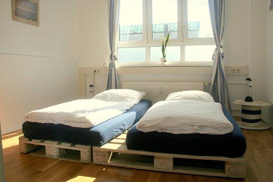 green haven vegan bed breakfast hamburg specialty b. Black Bedroom Furniture Sets. Home Design Ideas