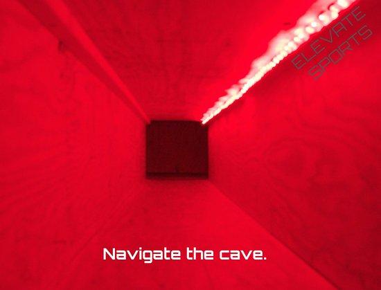 แฮร์ริสัน, อาร์คันซอ: Navigate the cave in Harrison, Arkansas.