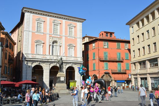 Piazza delle Vettovaglie