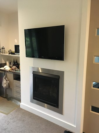Lovely Flat Screen Tv Kitchen
