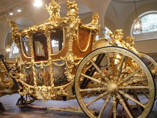 Queen Elizabeth Coronation Carriage