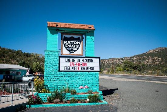 Raton Pass Motor Inn