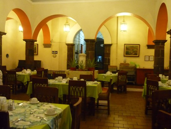 Government Palace: Restaurante del Hotel Ceballos Best Western.