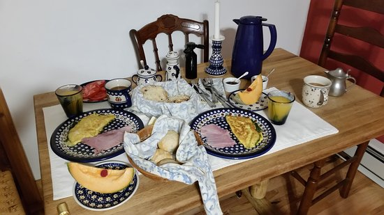 Welch Mountain Chalet Bed & Breakfast: This is one amazing breakfast!