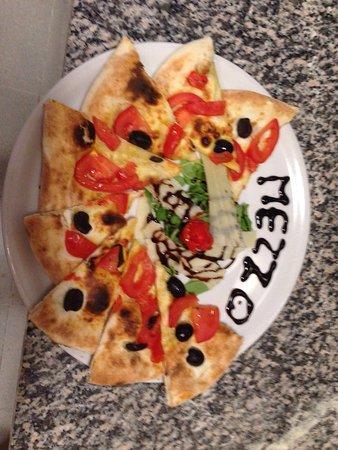 mezzo pizza food beverage