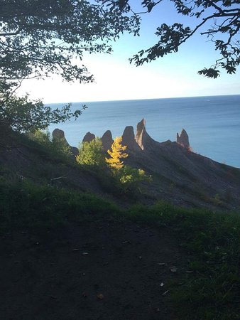 Wolcott, นิวยอร์ก: Absolutely stunning! Beautiful walk along the stoney beach and magnetic own views from the cliff