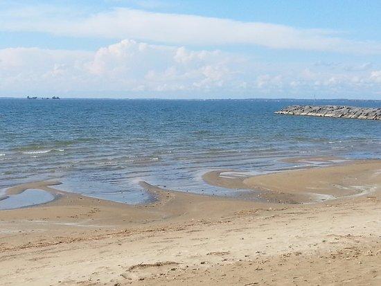 Henderson, NY: On the beach