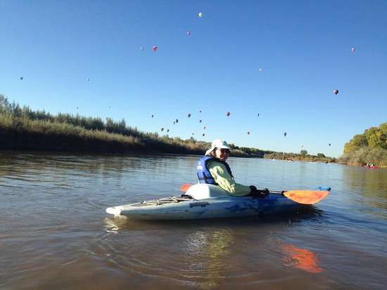Bernalillo, NM: Kayaking during the balloon fiesta