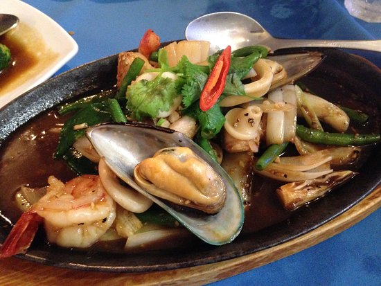 Siam by the Sea : sizzling seafood plate