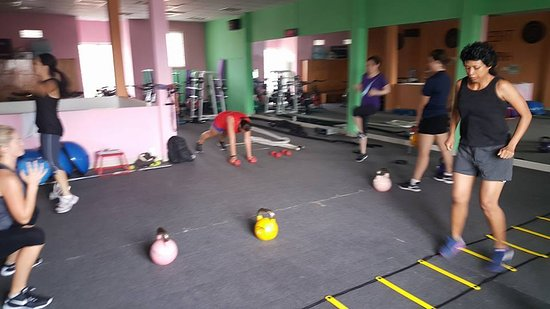 31c1fe981f518 Body Shape - Gym Thao Dien  Free weights are good for training in group  classes