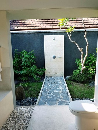 Bumi Linggah The Pratama Villas : bathroom 3
