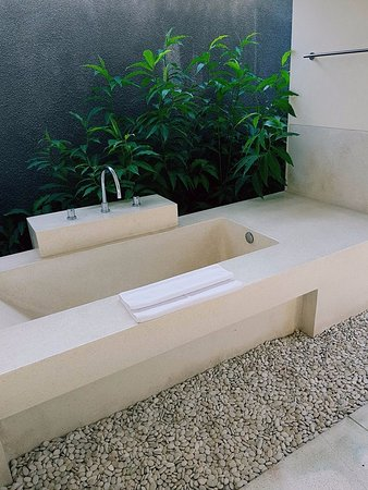 Bumi Linggah The Pratama Villas: bathroom 3