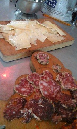Louvie-Juzon, France: et fromage d'Ossau