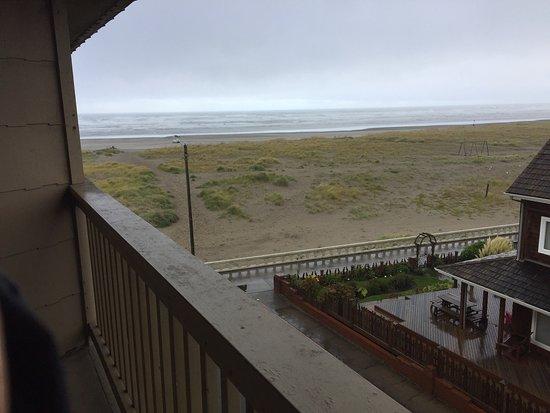 Ebb Tide Oceanfront Inn: Ebb tide. Great price good hotel. Good stay