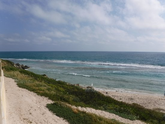 Yanchep, Australia: Lagoon views from the cafe.
