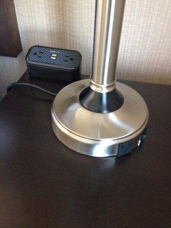 เซอร์เรย์, แคนาดา: USB Charging and multiple outlets