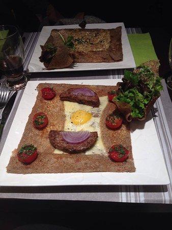 Carros, Francia: crêpes carnivore et alpage