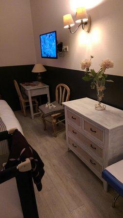 Hotel de Bordeaux: IMAG0105_large.jpg