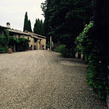 Ricavo, Italien: Großzügiger Borgo, hier der Innenbereich